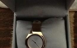 ساعة ذهبية اللون جديدة  ماركة Calvin Klein مديل السنة