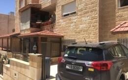 شقة ارضية في ضاحية الرشيد المساحة ١٢١ متر مربع بموجب الكوشان