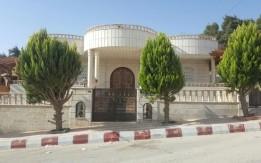 فيلا دور أرضي ضاحية الأمير علي وملاصقه لمنتزه عمان القومي