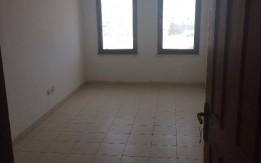 مكتب مكون من غرفتين ومطبخ وحمام الدور الأول. يصلح مكتب تجاري او مركز تعليمي